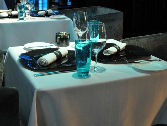 Spoon Cafe & Lounge : Table setting