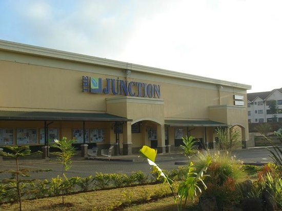 The Junction Mall: Early morning