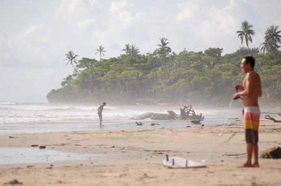 Makanas: playa hermosa