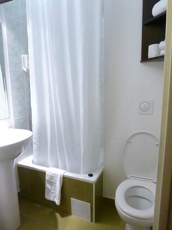 Adagio Access Vanves Porte de Versailles : baño