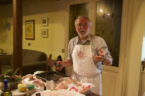 Chianti Cooking: Joshi regaling us with humorous anecdotes