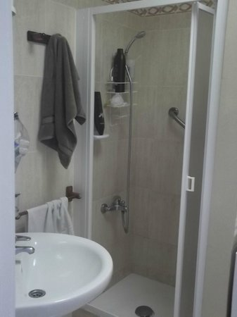 Bungalows Caribe: Bathroom