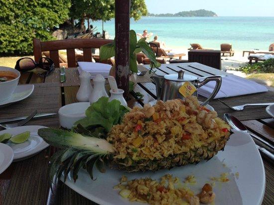 Amari Koh Samui: ресторан у бассейна