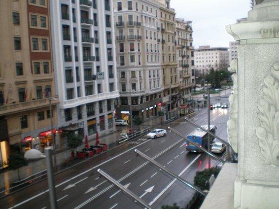 Senator Gran Via 70 Spa Hotel: vista de la gran via desde la habitacion