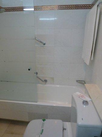 Hotel América  - Sevilla: baño impecable