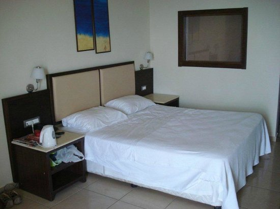 Sea Side Resort & Spa : Double bed