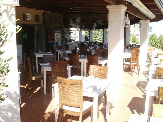 Sea Side Resort & Spa : Outdoor dining