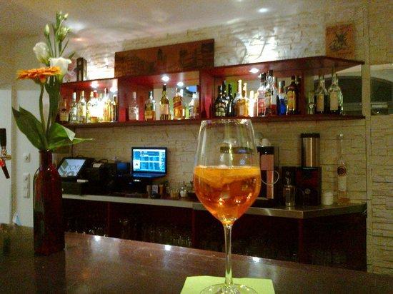 Hotel 103: bar orario aperitivo