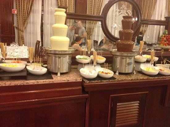 Hotel Riu Palace Cabo San Lucas : 1of 3 dessert sections
