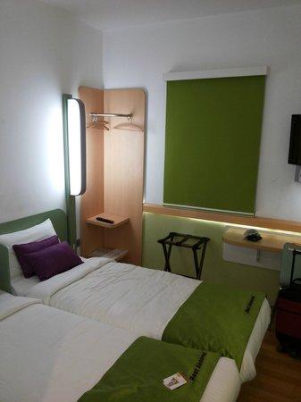 Hotel Formule1: Cramped room