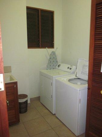 Daystar Bahia Azul : Private laundry room