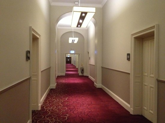 Grand Central Hotel: The hallway