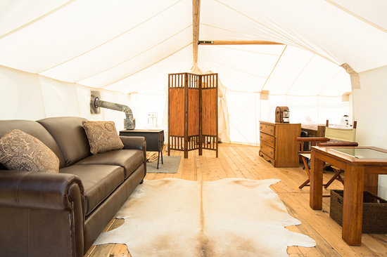 Glacier Under Canvas : Interior of the Suite