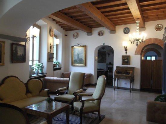 Hotel Mulino di Firenze : some of the sitting area