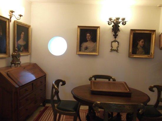 Hotel Mulino di Firenze: some of the artwork