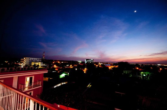 Hotel RDG: Vista oeste de Managua.
