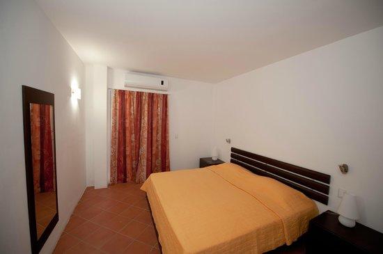 Hotel RDG: Cama de 200x200 cm.
