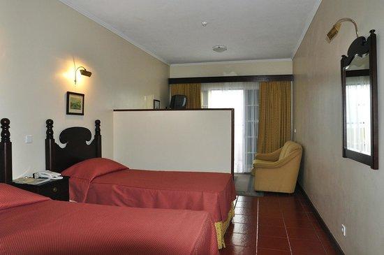 Vila Marta: la stanza verso il salottino e il balcone