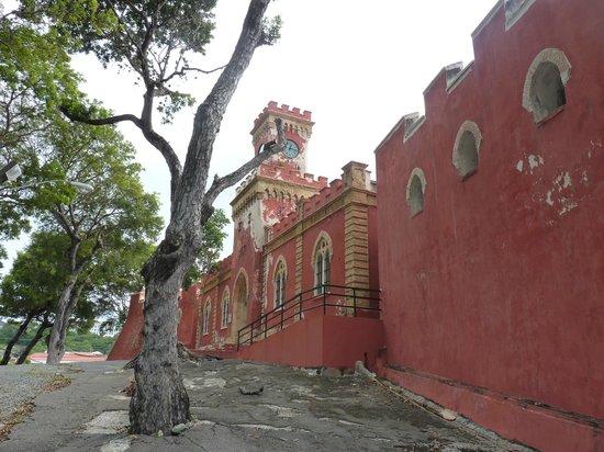 Fort Christian: exterior
