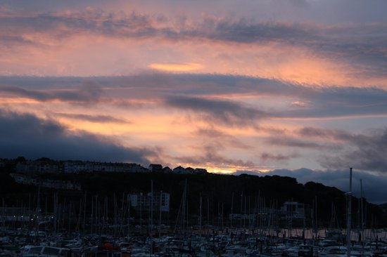 The Breakwater Bistro: Sunset