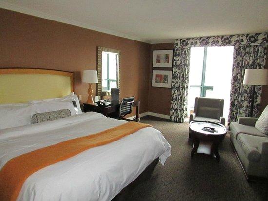 InterContinental Toronto Yorkville : Room