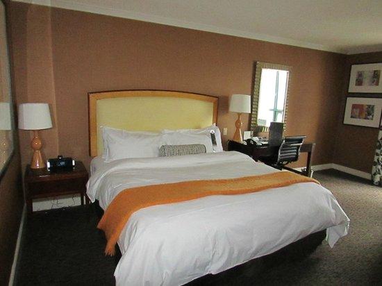 InterContinental Toronto Yorkville: Room