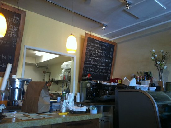 Humble Bee Bakery and Cafe: Kitchen