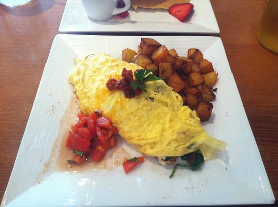 Humble Bee Bakery and Cafe: Greek Omelette