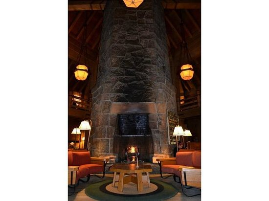 Timberline Lodge: Fireplace in the Lounge