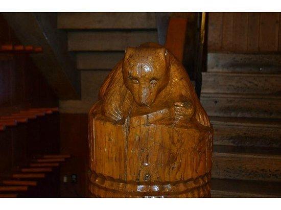 Timberline Lodge: Bear on Stair Railing