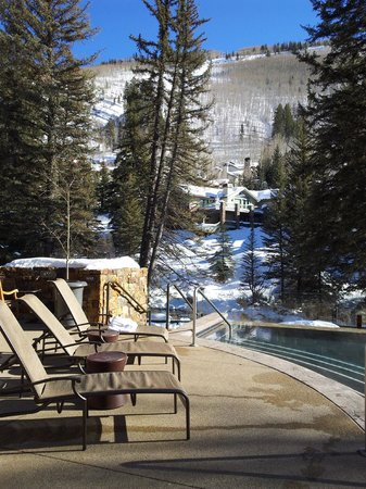 Hotel Talisa, Vail: View from Outdoor Heated Pool