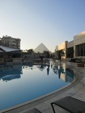 Le Méridien Pyramids Hotel & Spa : our first morning in Giza/Cairo