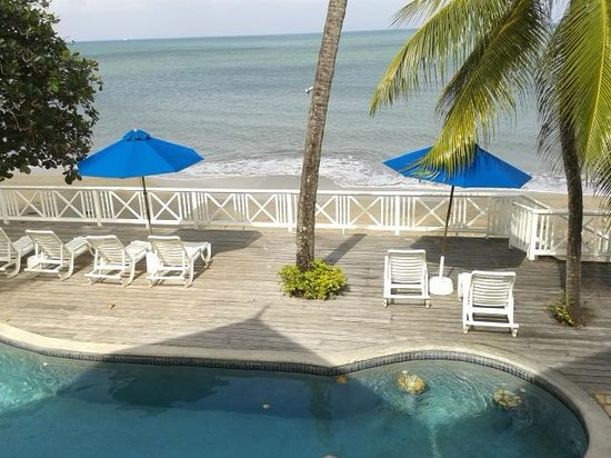 Villa Beach Cottages : View from out apartment verandha