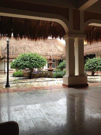 Now Sapphire Riviera Cancun : Main Lobby