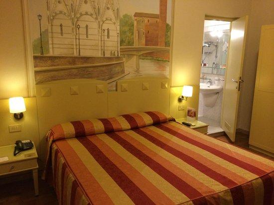 Bologna Hotel Pisa : Our room