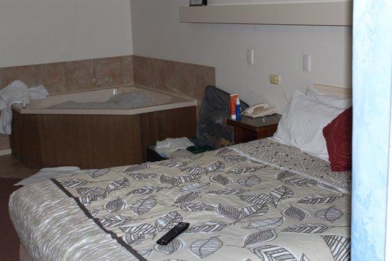 Goolwa Riverport Motel: Zimmer mit Badewanne