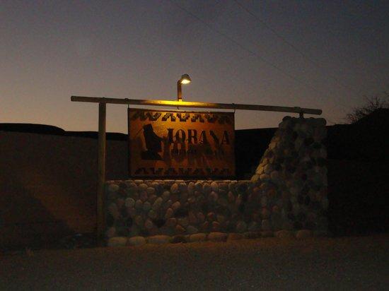 Hotel Iorana Tolache: Eingangsschild