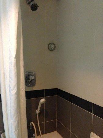 Bayview Hotel Melaka : The 'modified' shower