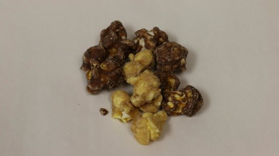 Oodlesmack Popcorn: Peanut butter and chocolate