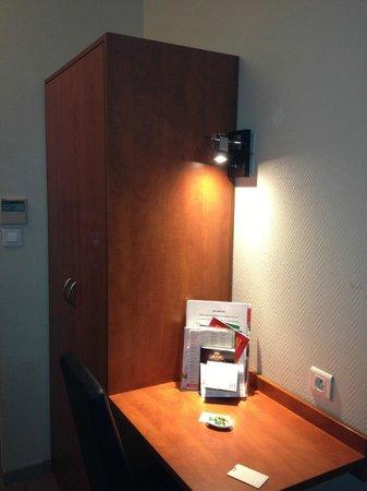 Hotel Montigny: petit bureau