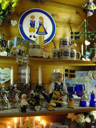 Al Johnson's Swedish Restaurant & Butik: Items in the gift shop