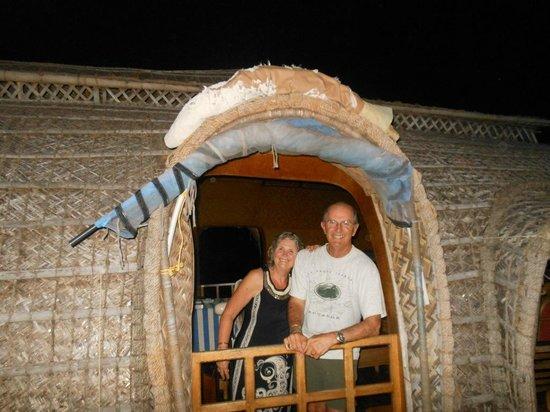 Punnamada Resort: Great couple; Dennis and Pauline