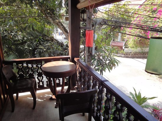 Ammata Guest House : Balcony outside room 4 in non-wifi building
