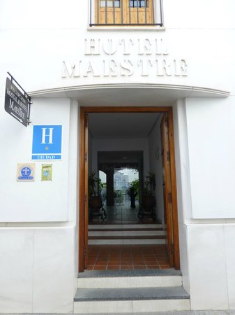 Maestre: entrada