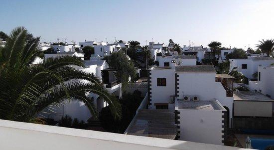Ereza Apartamentos Los Hibiscos: View From Our Bedroom Window