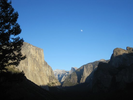 Tunnel View: Full moon rising over Half Dome