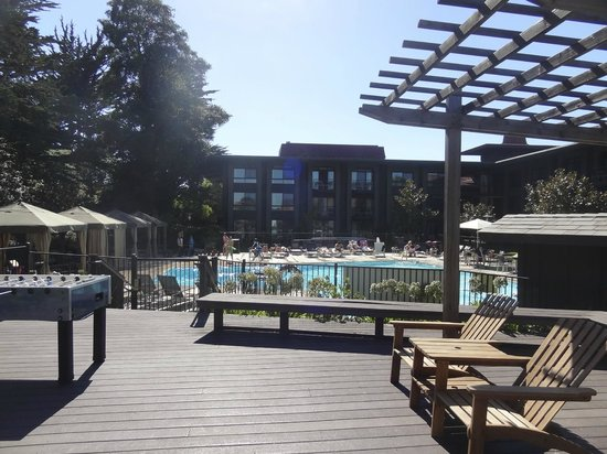 Hyatt Regency Monterey Hotel and Spa on Del Monte Golf Course: Vista da piscina