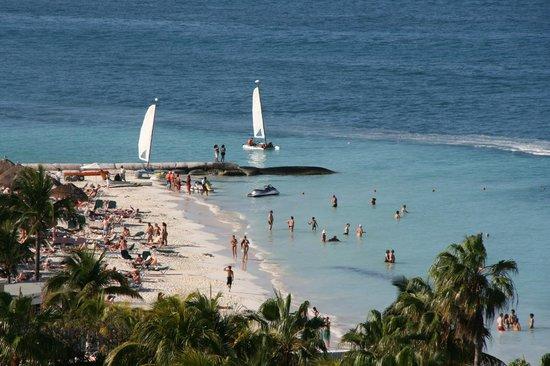 Hotel Riu Palace Peninsula : Water was lovely and warm