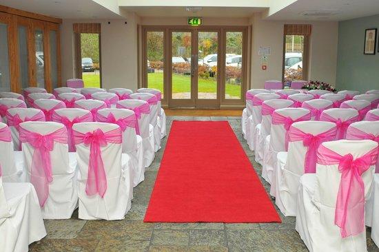 Red Lion Whittlesford Bridge: Wedding ceremony