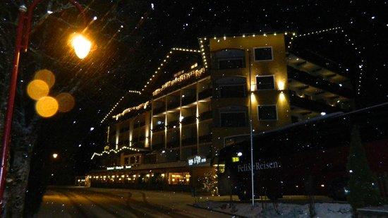 Hotel Post am See : Sprookjesachtig verlicht hotel
